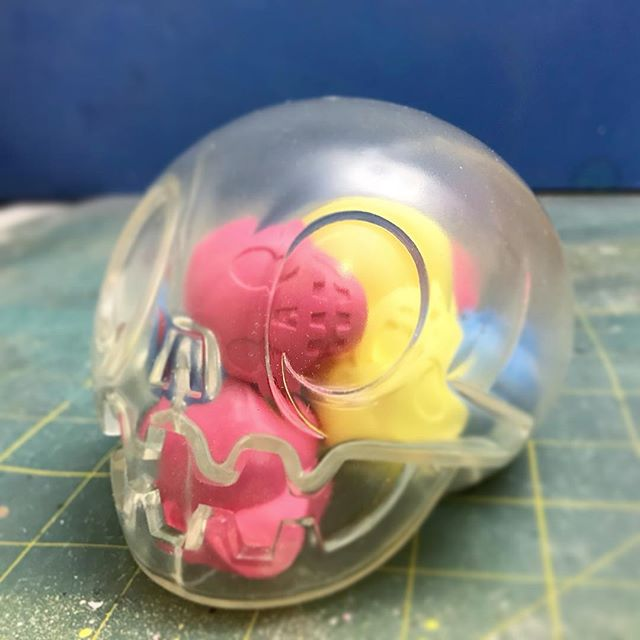 Bubblegum clear sofubi calaverita coming to @designercon booth #612 @mexamercado limited to 10 pieces. Comes packed with 9 mini calaveriras in banana strawberry and blueberry colors! #calaverita #thebeastbrothers #designercon
