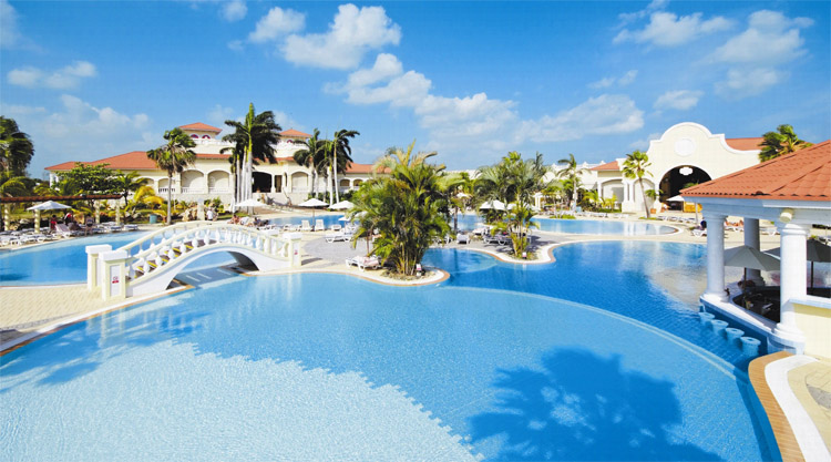 20_1_-The-5-star-Paradisus-Princesa-Del-Mar-is-an-all-inclusive-beachfront-resort-on-Cubas-famous-Varadero-Beach.jpg