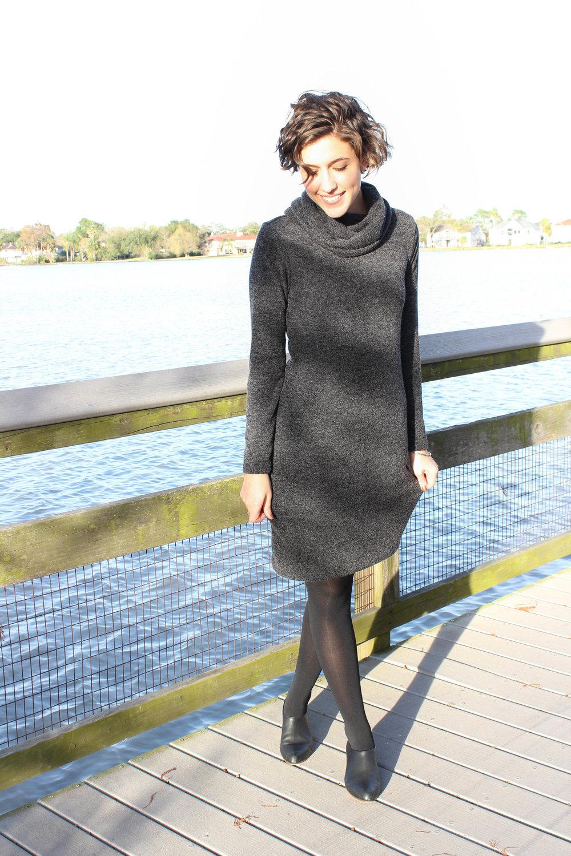 Smiles in the Sun // Banana Republic Sweater Dress — Hi, Mon Ami.