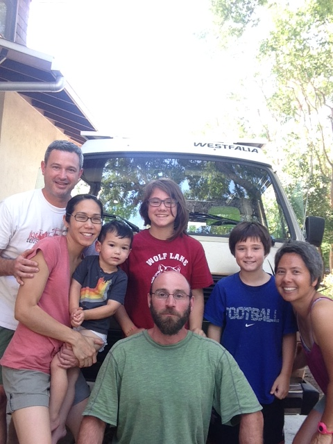 Vanamos family poses with our very cool and generous host family in Austin.