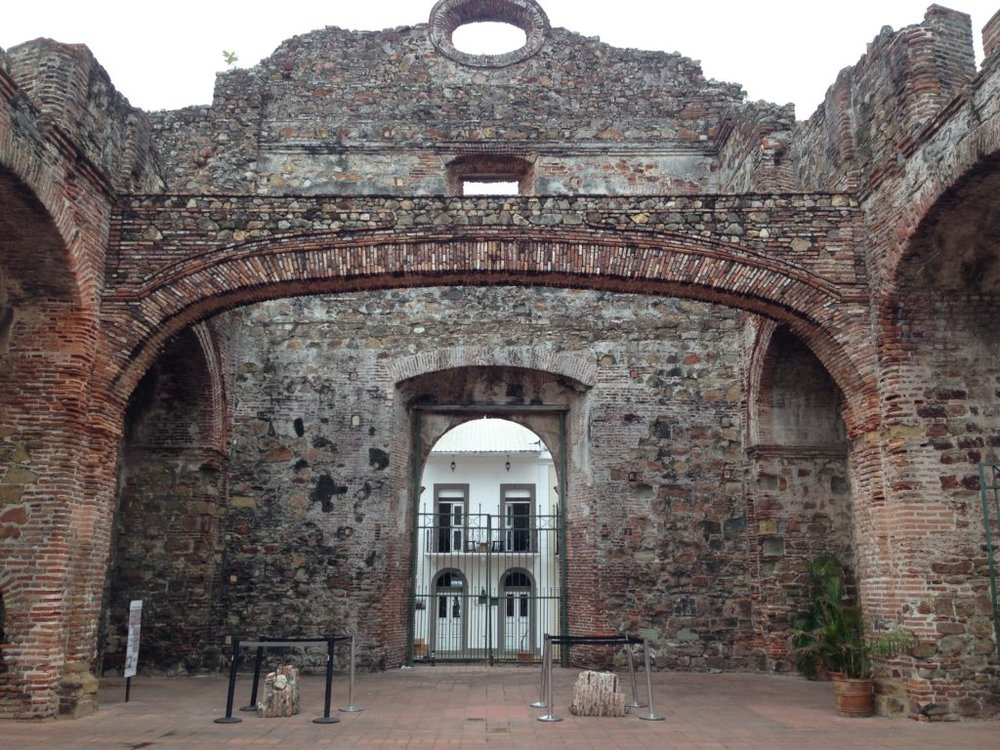 This arch - unique in architecture as being a flat arch rather than rounded - in the ruined Santo Domingo church was used as evidence that Panama had the seismic stability that Nicaragua did not. Thus, a canal should be built here, not there. Later, the church crumbled. The two piles of bricks below the arch are what remains of the original. The arch is actually a replica.