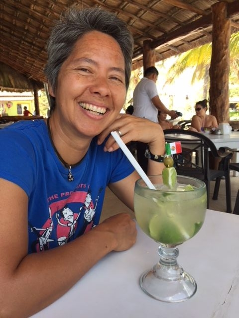 R celebrates not having to go back to the immigration office any time soon with a patriotic margarita.