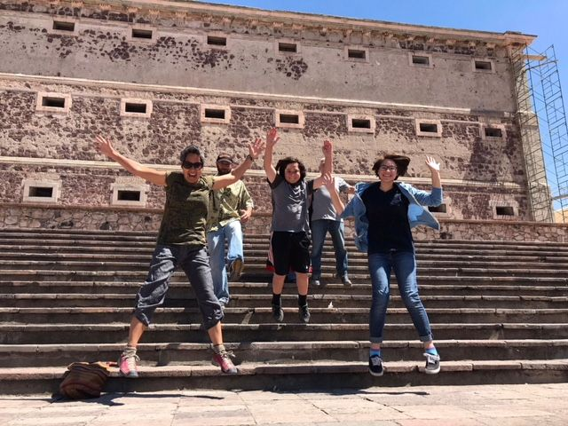 The Vanamos crew celebrates their own revolution in front of the Alhóndiga de Granaditas in Guanajuato, site of one of the first confrontations of the Mexican revolution.  (Also where the decapitated heads of the Revolution's instigators were later hung.)