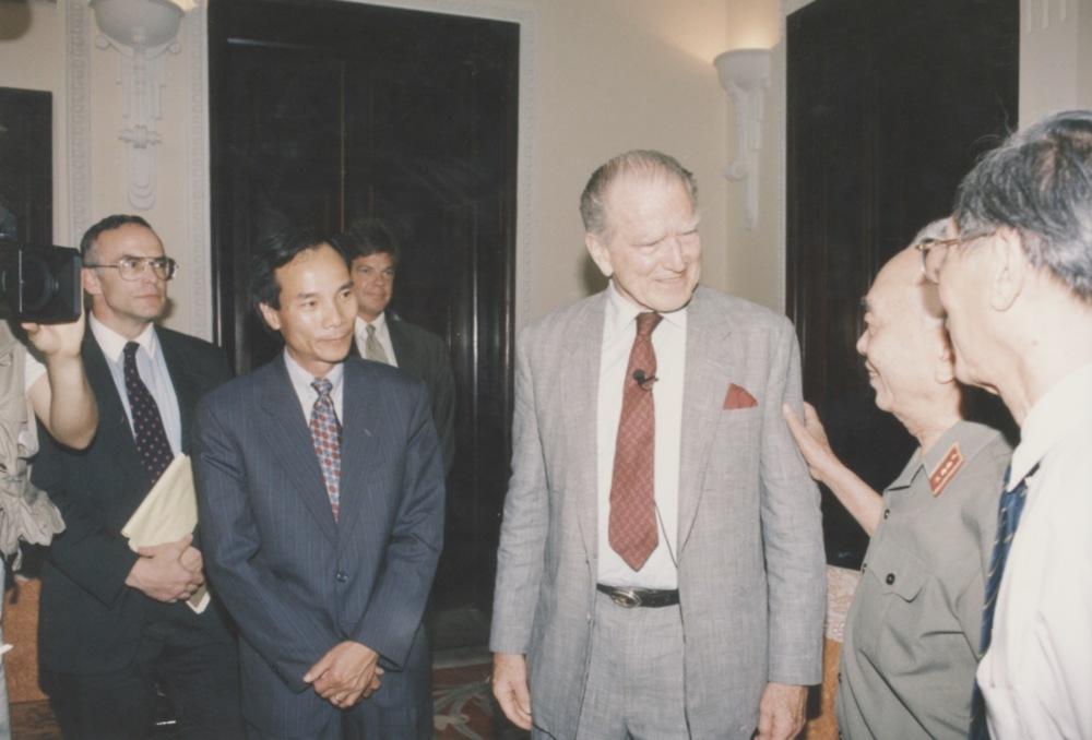 Meeting with Admiral Zumwalt - 03.jpeg