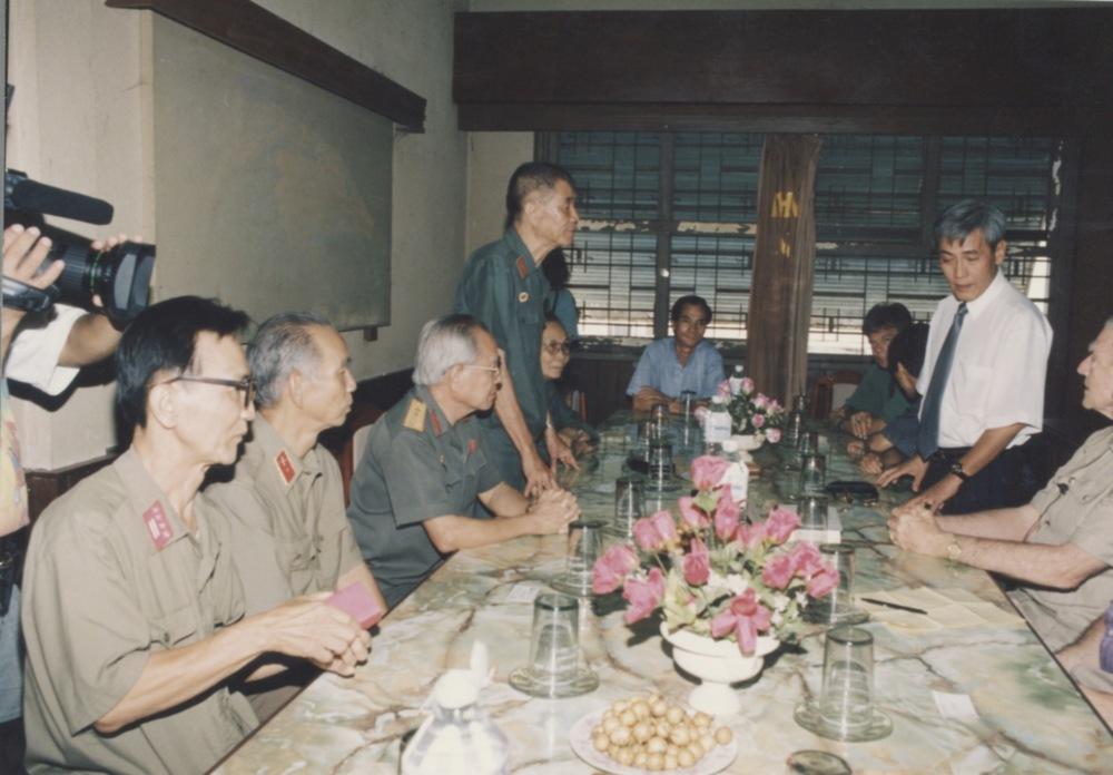 Meeting with Admiral Zumwalt - 05.jpeg