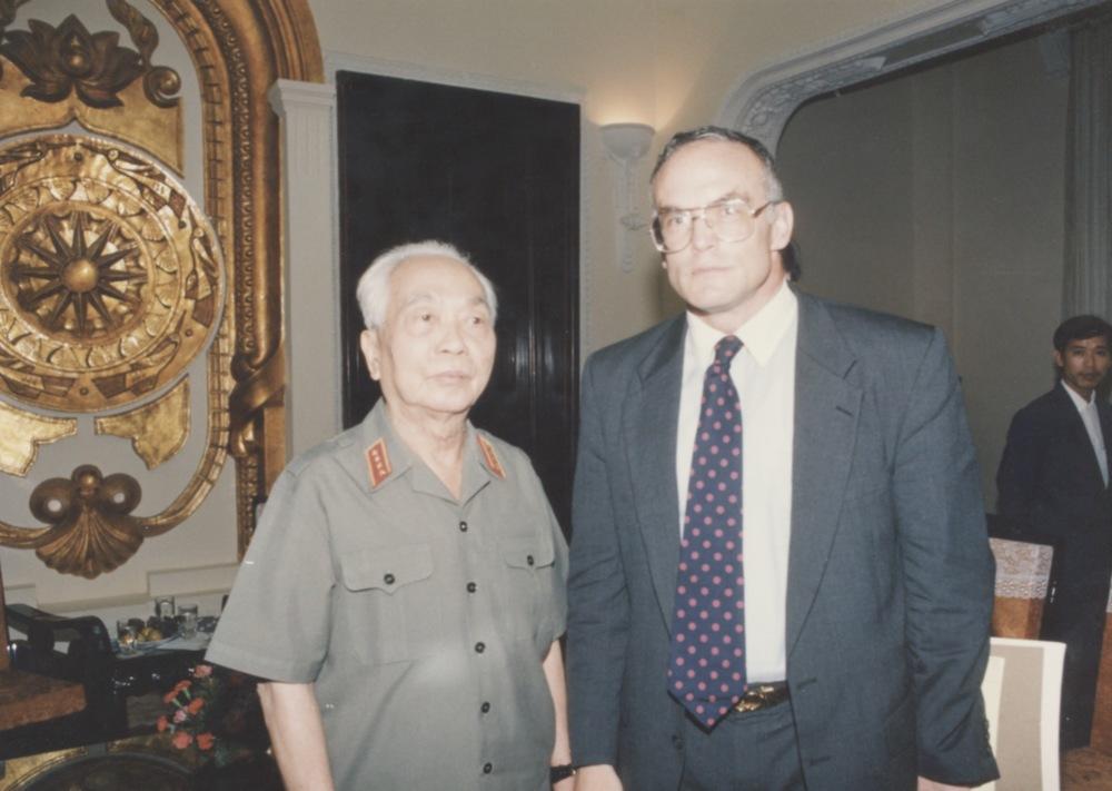 Meeting with Admiral Zumwalt - 06.jpeg