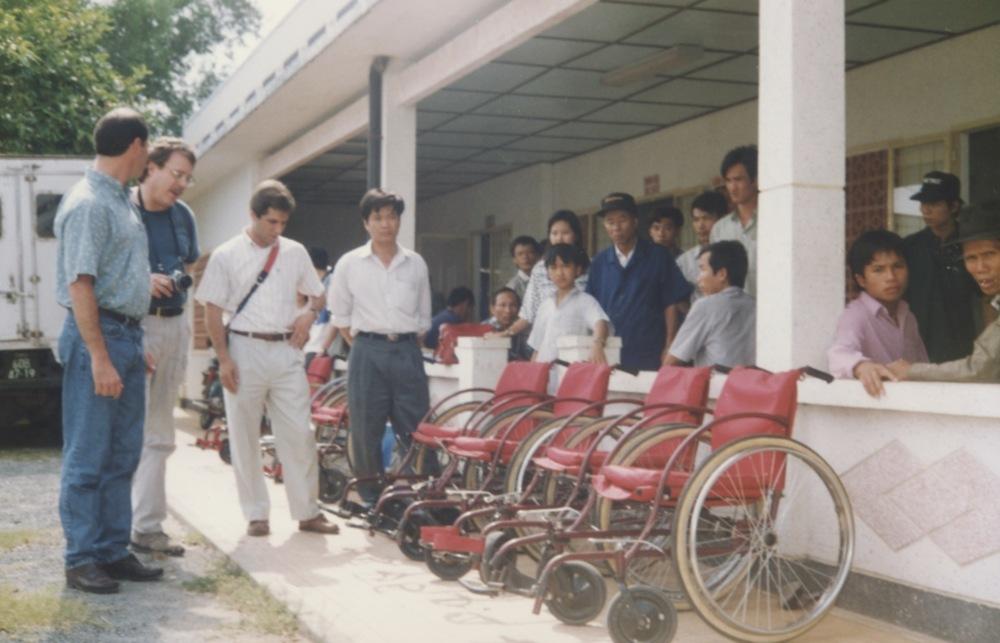VNAH 1995 Amputees - 82.jpeg