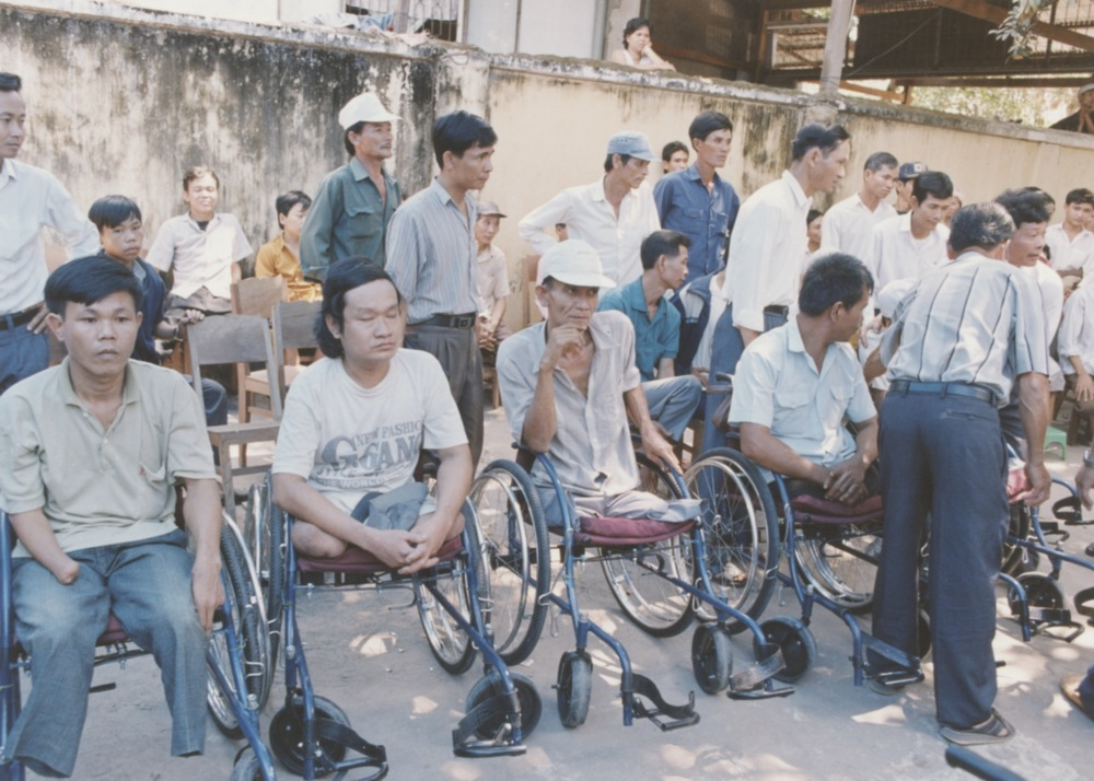 VNAH 1995 Amputees - 96.jpeg