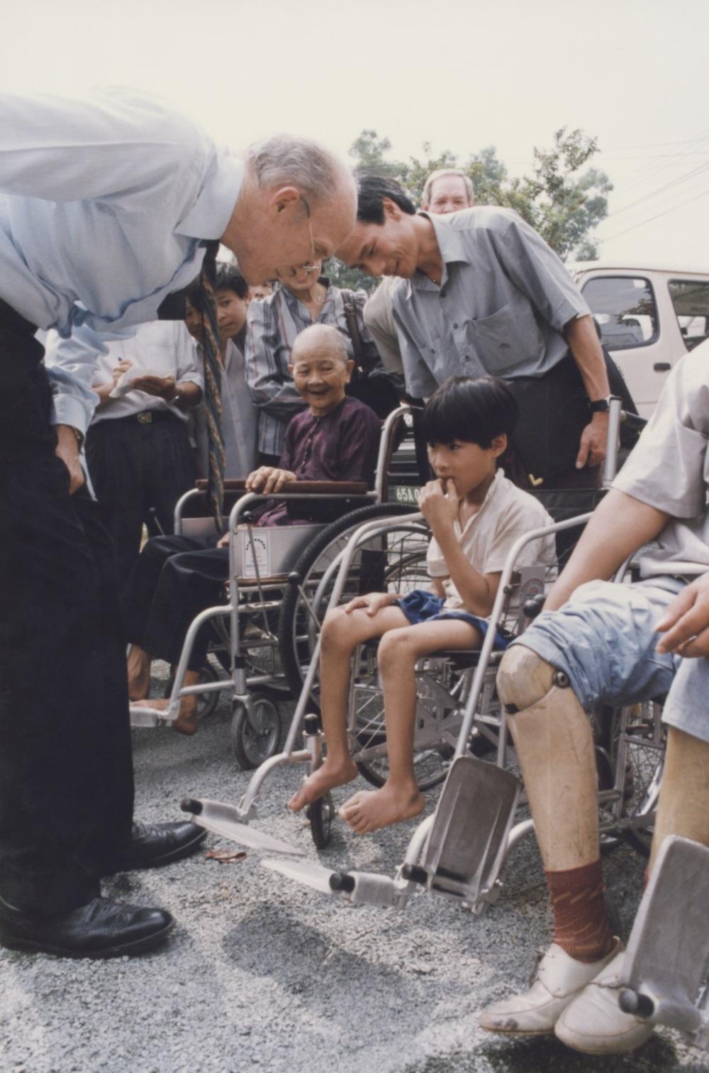 1996 VNAH Amputees - 158.jpeg