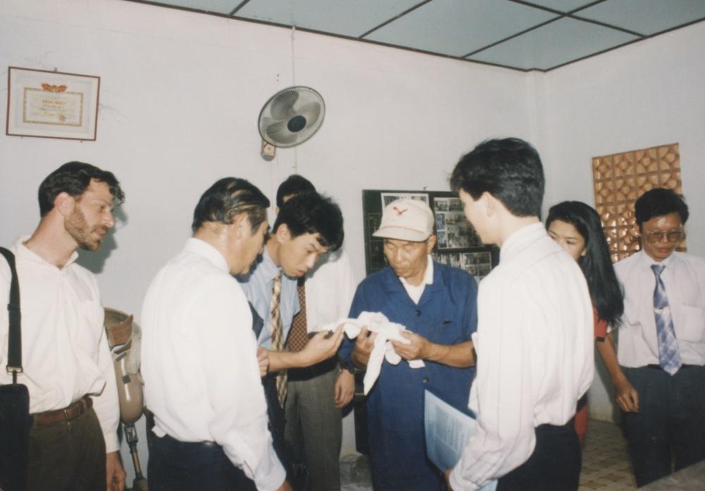 1996 VNAH Amputees - 20.jpeg