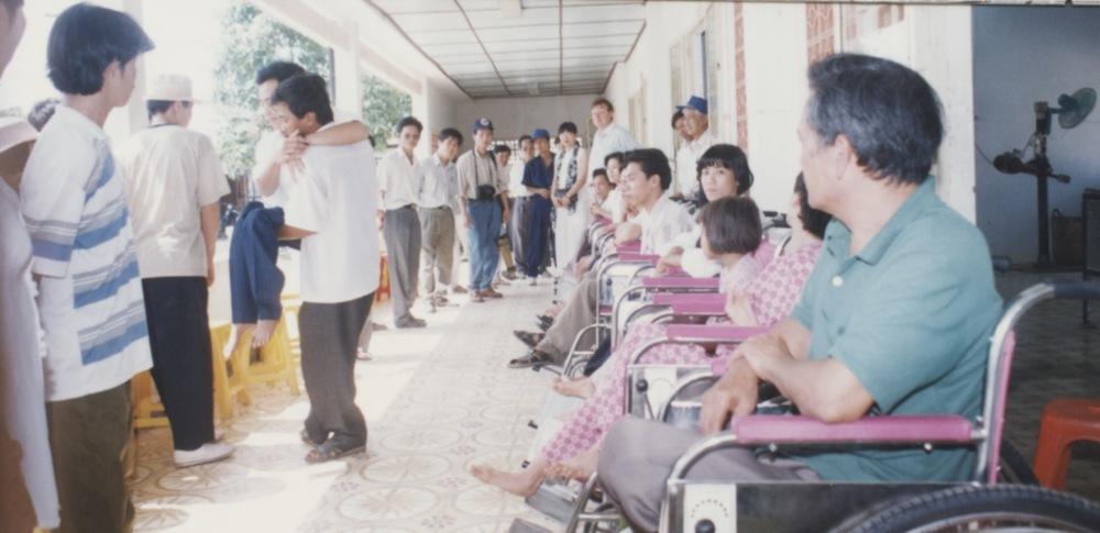 1996 VNAH Amputees - 30.jpeg