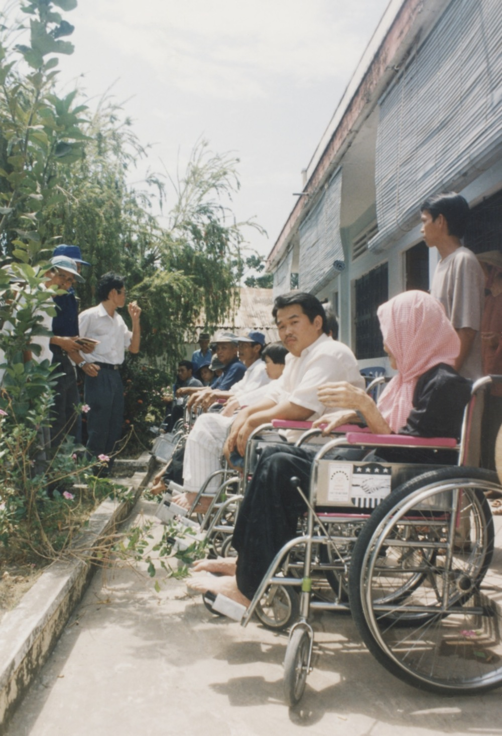 1996 VNAH Amputees - 45.jpeg