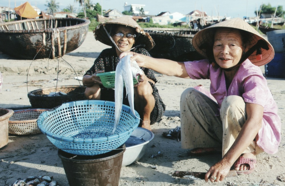Prosthetics Outreach to Landmine Victims in Quang Dinh Province 2009 - 06.jpeg