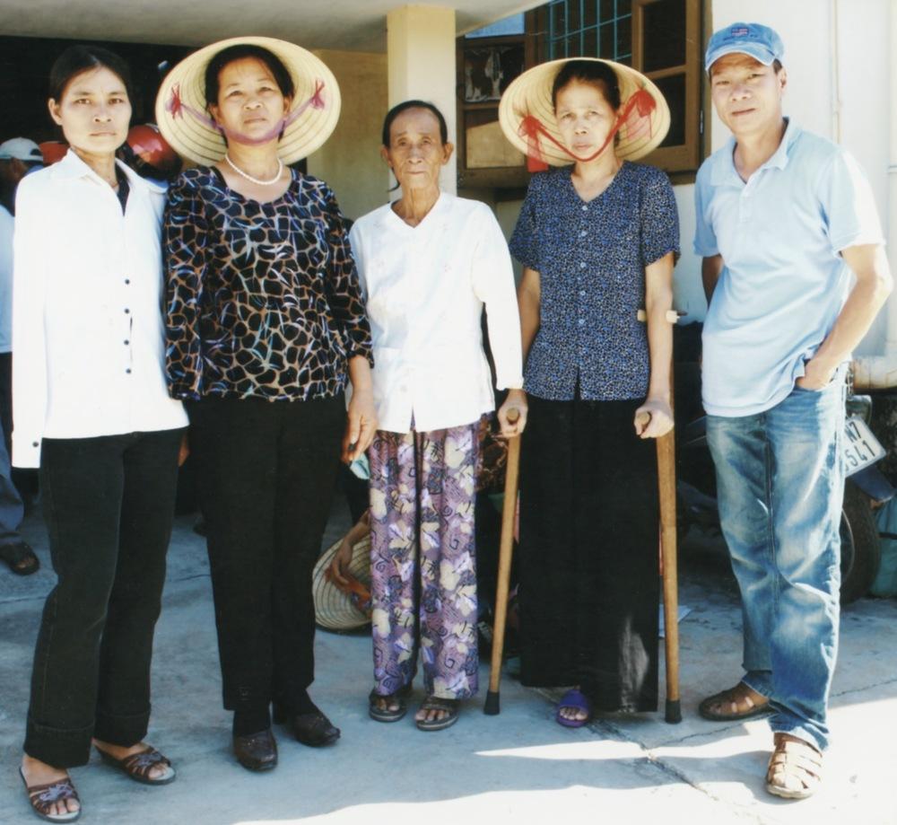 VNAH Prosthetic Outreach July 2010 - 08.jpeg