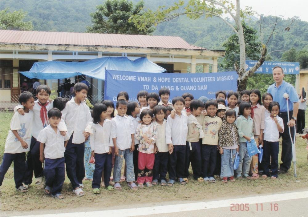 Nov 2005 Hope Dental Volunteer Mission - 10.jpeg