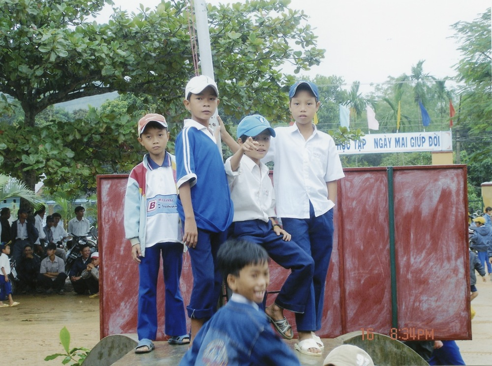 Nov 2005 Hope Dental Volunteer Mission - 11.jpeg