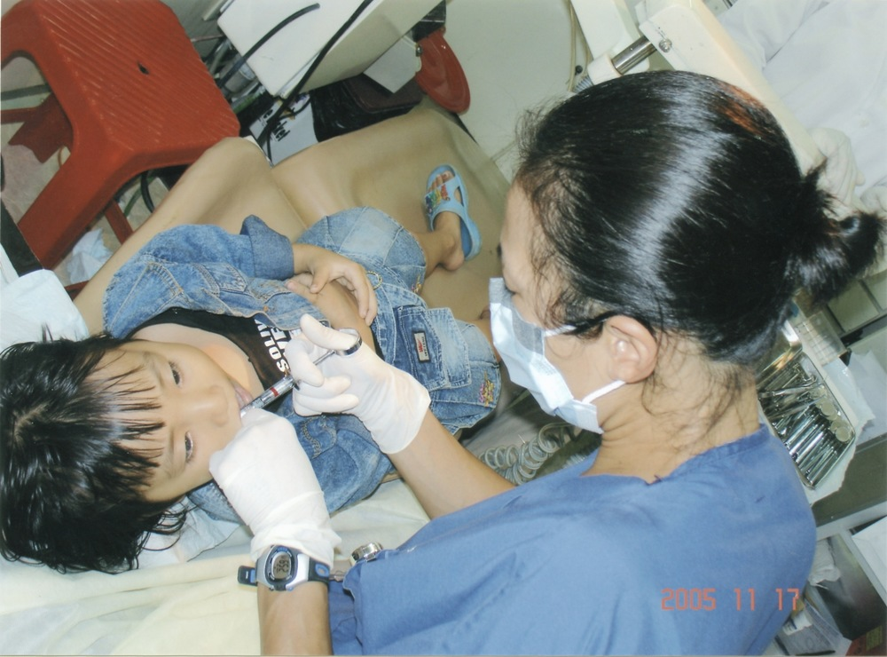 Nov 2005 Hope Dental Volunteer Mission - 25.jpeg