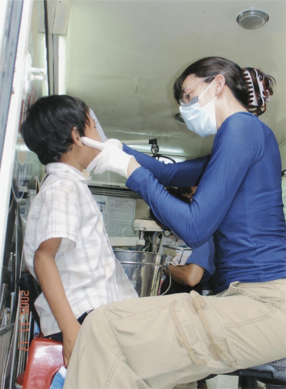 Nov 2005 Hope Dental Volunteer Mission - 26.jpeg