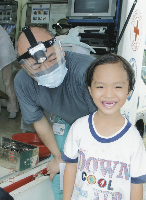 Nov 2005 Hope Dental Volunteer Mission - 30.jpeg
