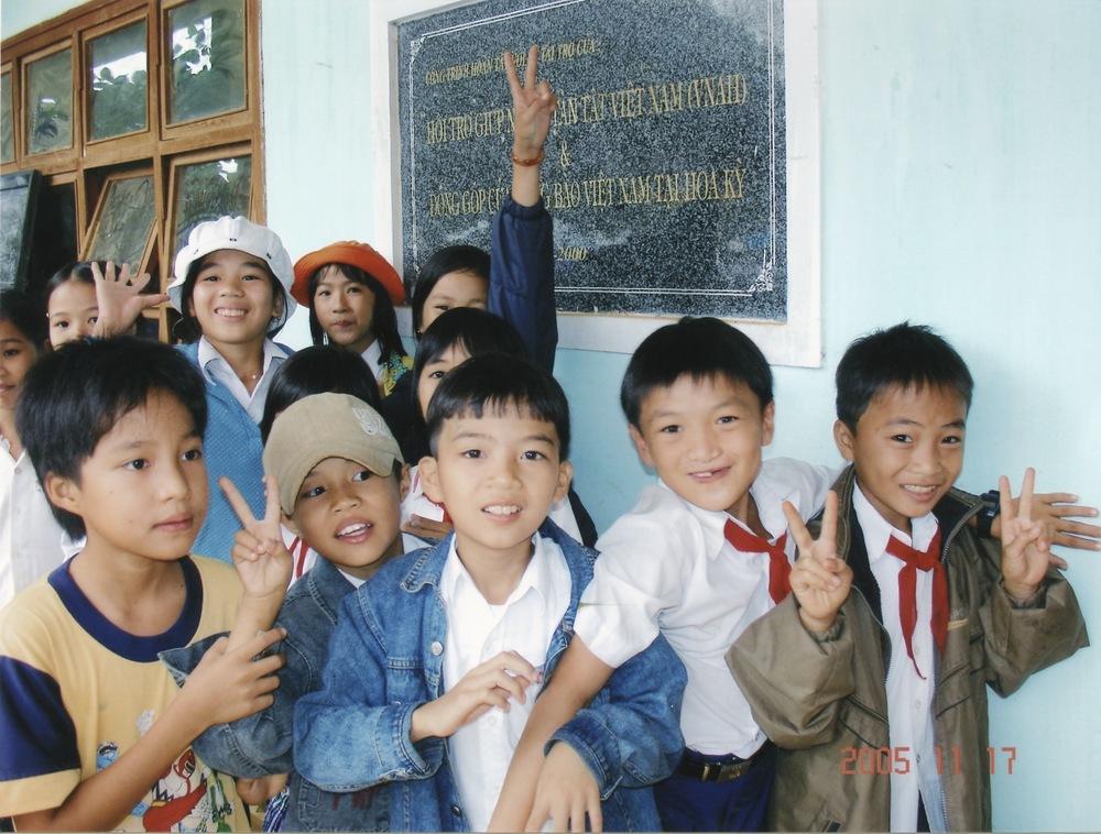 Nov 2005 Hope Dental Volunteer Mission - 39.jpeg