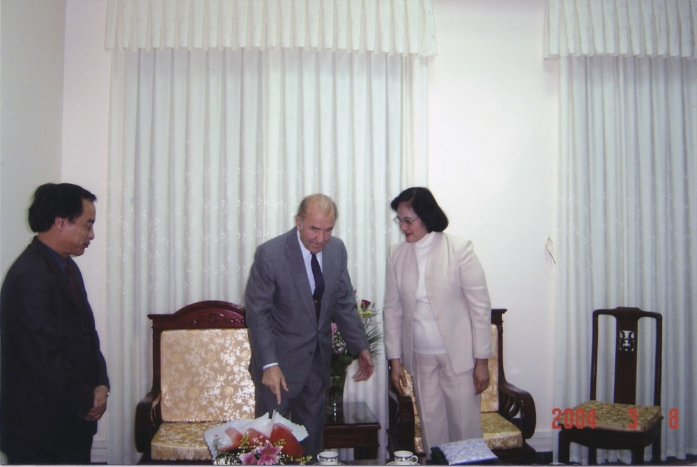 VNAH 2004 Meeting With MOLISA - 03.jpeg