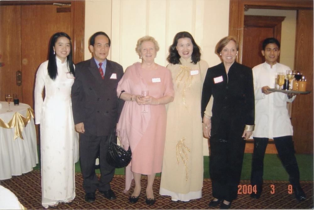 VNAH 2004 Meeting With MOLISA - 08.jpeg