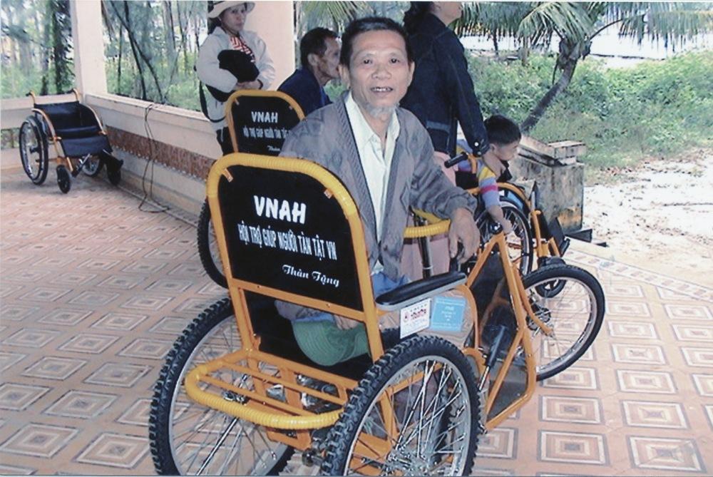 VNAH 2004 Volunteers - 04.jpeg
