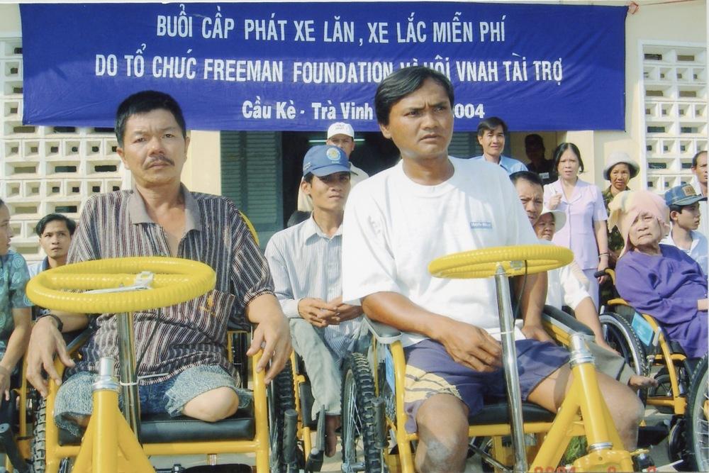 VNAH 2004 Volunteers - 07.jpeg