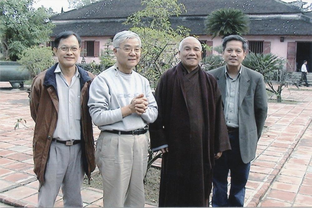 VNAH 2004 Volunteers - 14.jpeg
