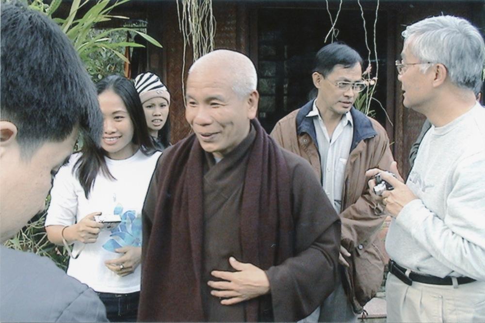 VNAH 2004 Volunteers - 15.jpeg