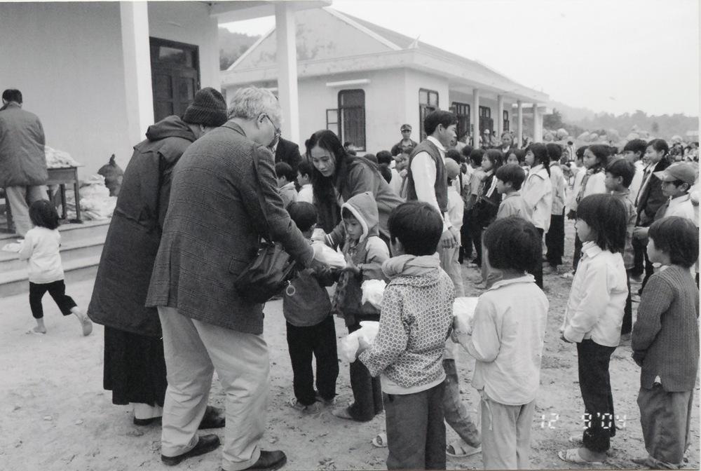 VNAH 2004 Volunteers - 17.jpeg