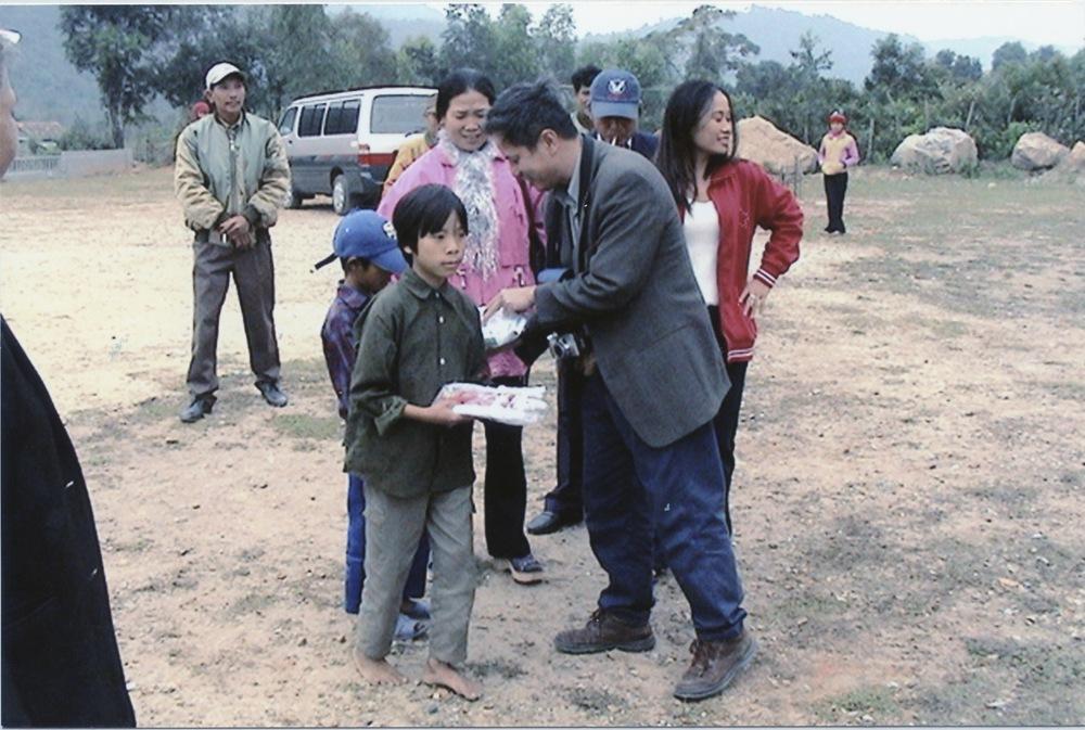 VNAH 2004 Volunteers - 20.jpeg