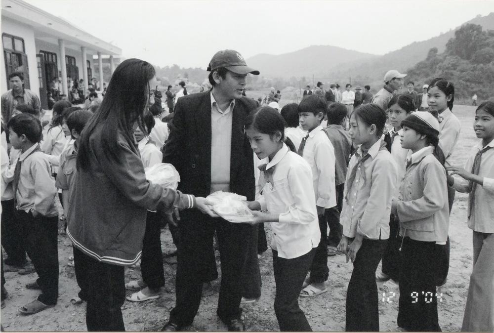 VNAH 2004 Volunteers - 22.jpeg