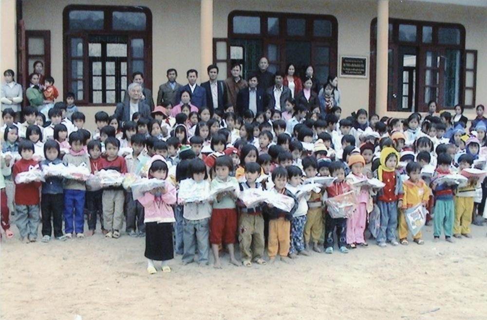 VNAH 2004 Volunteers - 25.jpeg