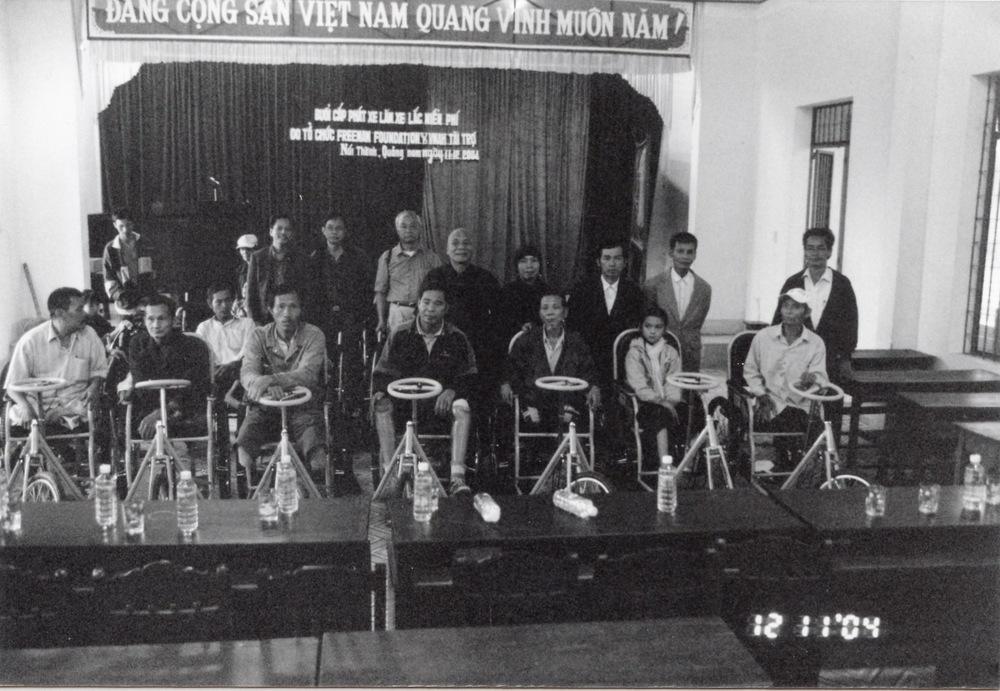 VNAH 2004 Volunteers - 40.jpeg