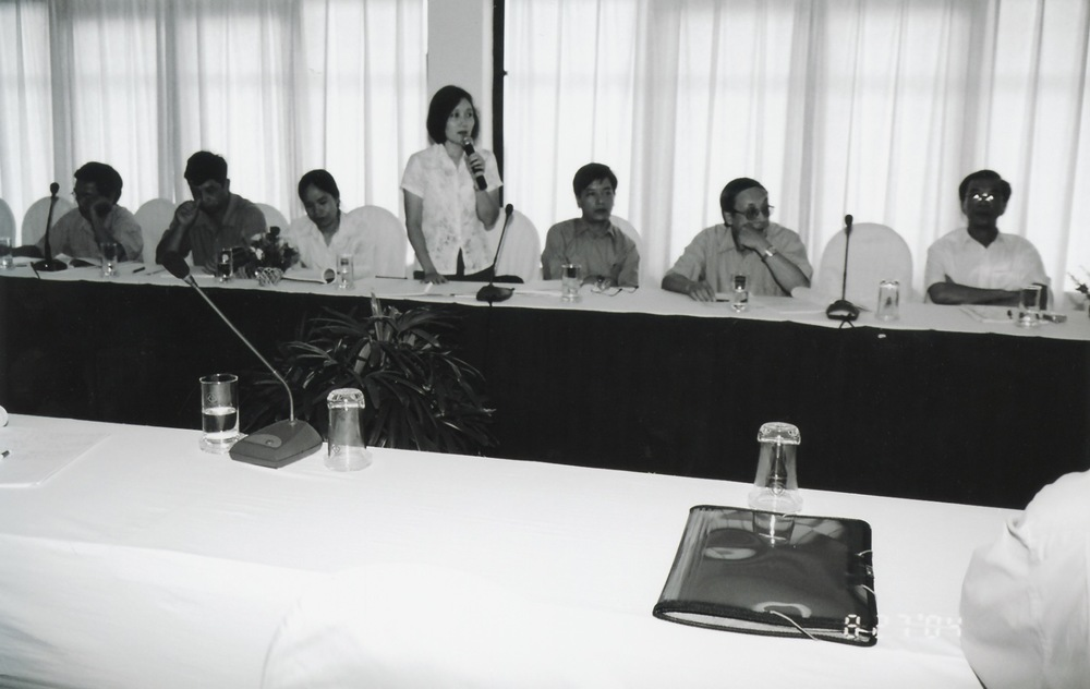 VNAH 2004 NGO Law Workshop - 13.jpeg