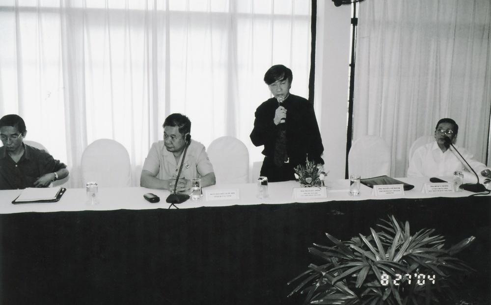 VNAH 2004 NGO Law Workshop - 14.jpeg