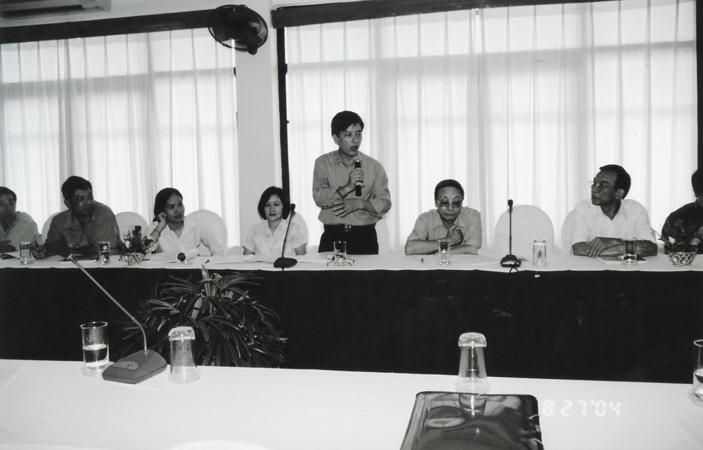 VNAH 2004 NGO Law Workshop - 16.jpeg