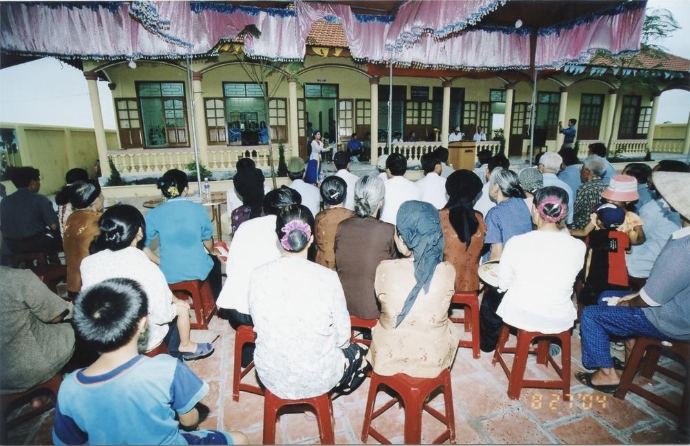 VNAH 2004 NGO Law Workshop - 24.jpeg