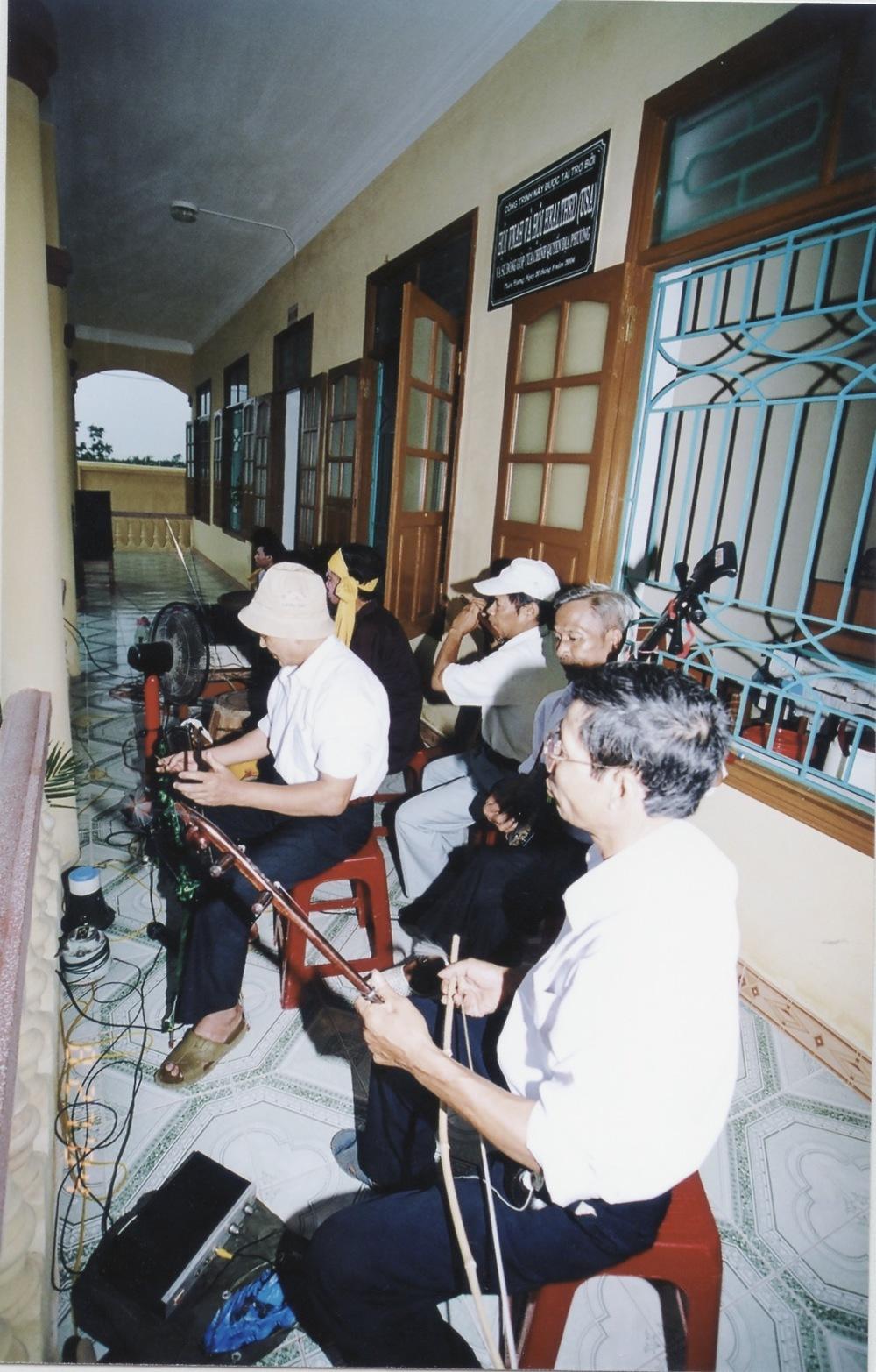 VNAH 2004 NGO Law Workshop - 31.jpeg
