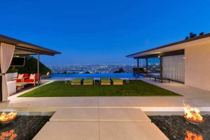 matthew-perrys-flawless-sunset-strip-contemporary-can-be-yours-for-a-mere-13-5m6.jpg