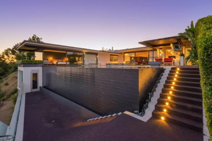matthew-perrys-flawless-sunset-strip-contemporary-can-be-yours-for-a-mere-13-5m12.jpg
