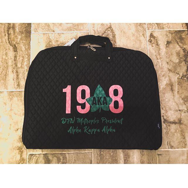 Custom AKA Garment Bag 🔥🔥// vinyl on quilted cotton . .⠀⠀⠀⠀⠀⠀⠀⠀⠀⠀⠀⠀⠀⠀⠀⠀⠀⠀⠀⠀⠀⠀⠀⠀⠀⠀⠀ . .⠀⠀⠀⠀⠀⠀⠀⠀⠀⠀⠀⠀⠀⠀⠀⠀⠀⠀⠀⠀⠀⠀⠀⠀⠀⠀⠀⠀⠀⠀⠀⠀⠀⠀⠀⠀⠀⠀⠀#theoriginbrand #custommerch #AKA #letscollab #entrepreneurship #worldchanger #wearetheorigin #tshirts4travel  #scholarshipfund #printingwithapurpose #workingwithcommunity #lovewhatyoudo  #customorders #buildingrelationships