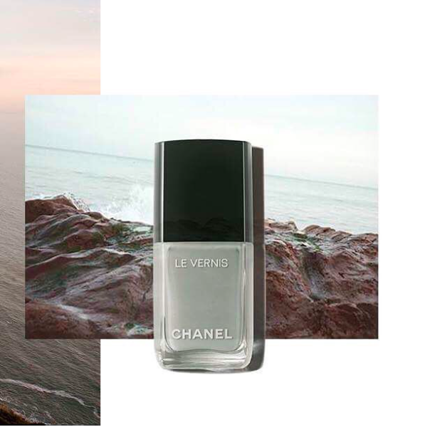 Le Vernis Nail Colour in Horizon Line