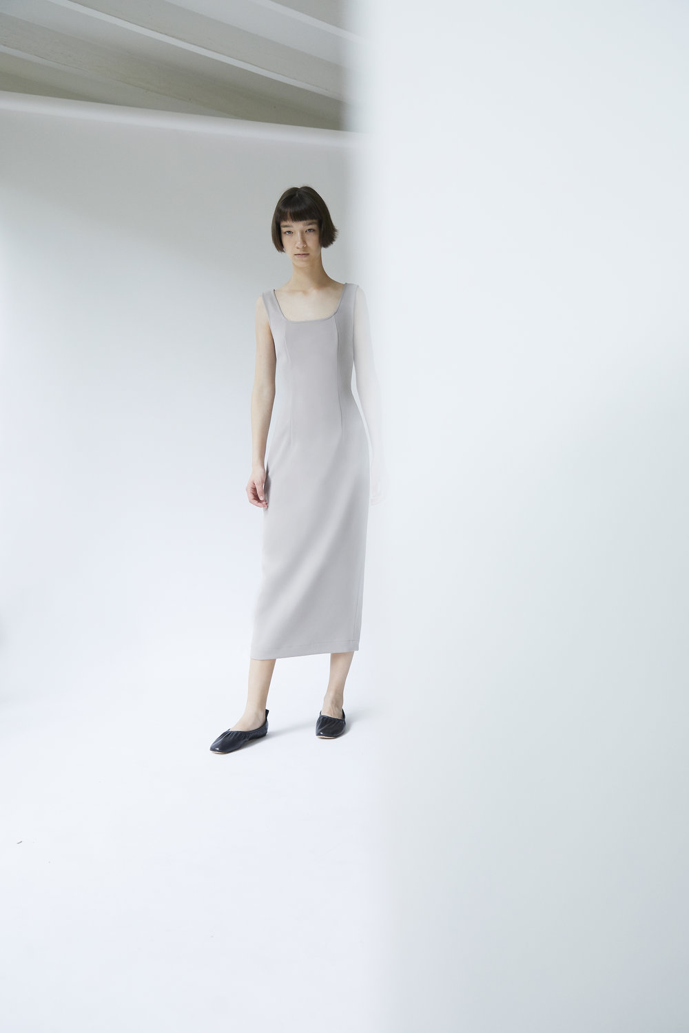 BEACON     scoop neck dress in CONCRETE
