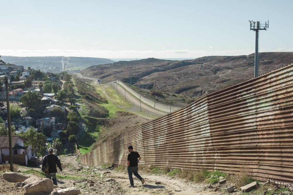 Tijuana-Wall-AMBOSWknd01-0026.jpg
