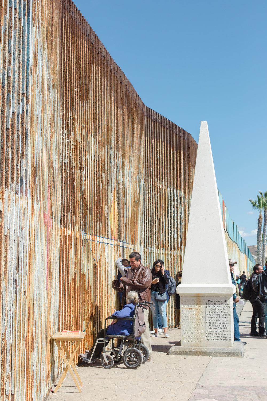 Tijuana-Wall-AMBOSWknd01-0072.jpg