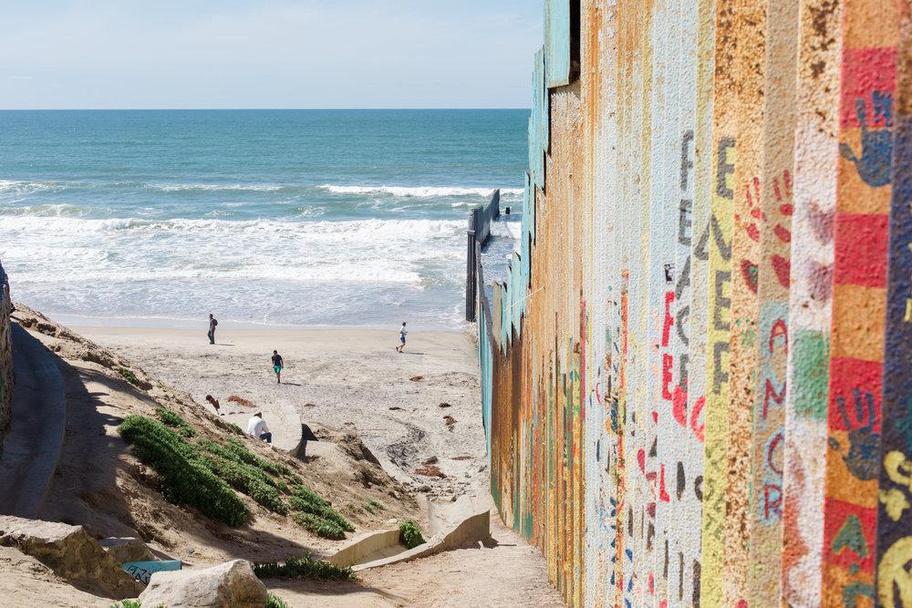 Tijuana-Wall-AMBOSWknd01-0074.jpg