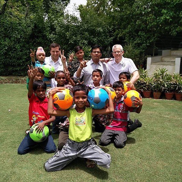 @wba with children from the Bapu School #breatheeasyindia #footballforhealth