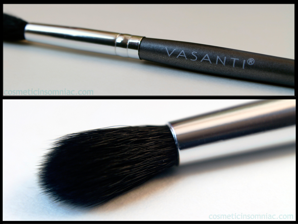 VASANTI - contour eyeshadow 4 brush  Value: $21.00 CAD   Retail: $21.00 CAD